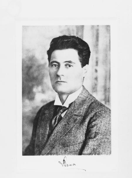 david-oliver-1907-crop